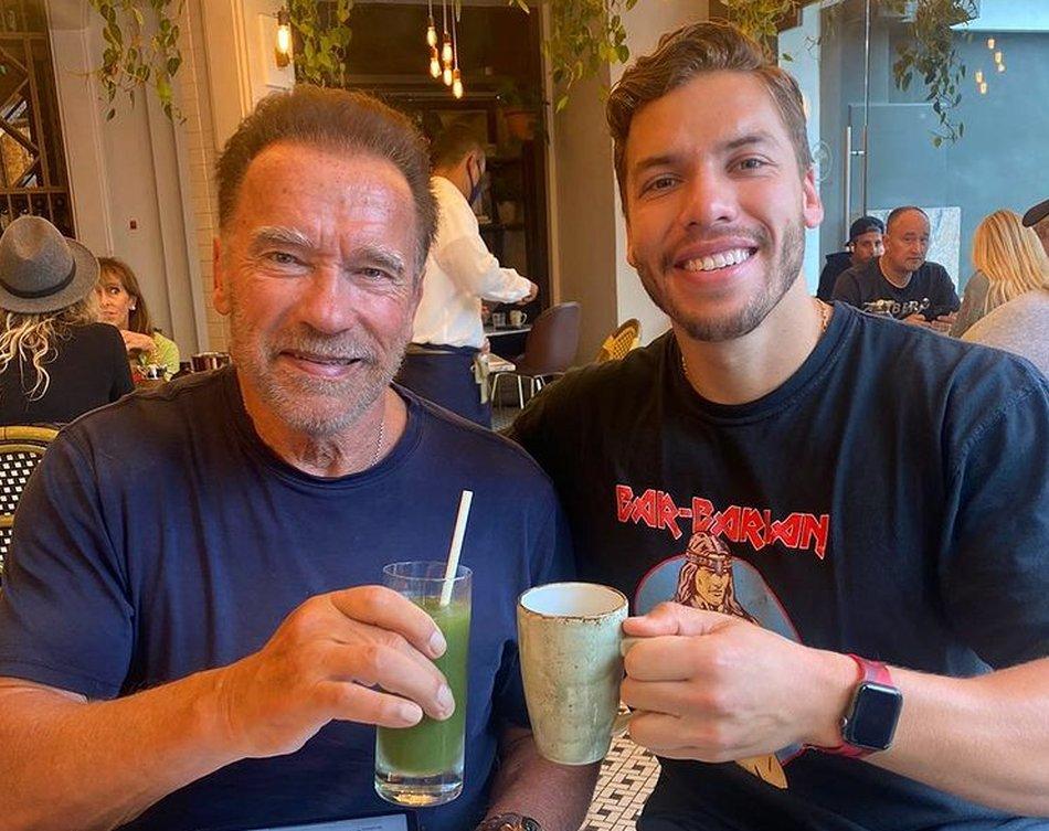 Arnold és fia közösen