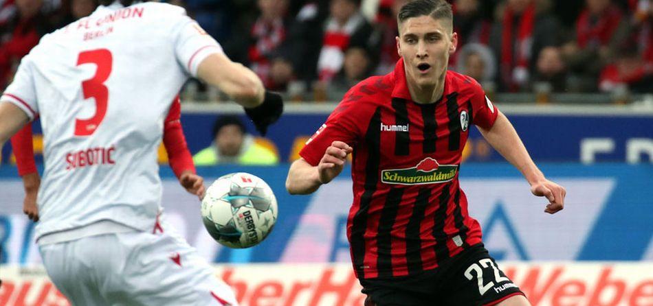 Sallai Roland a Freiburg csapatában.